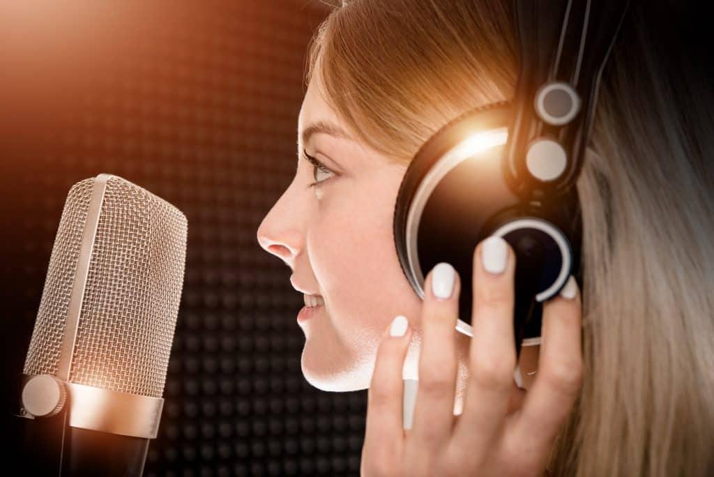 Sängerin mit Stimmstörung.